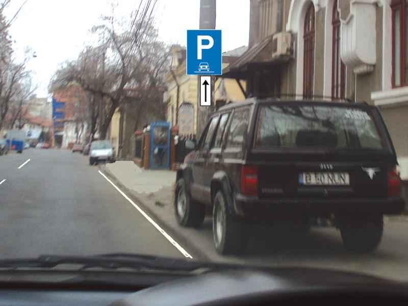 Autoturismul din imagine a parcat regulamentar?