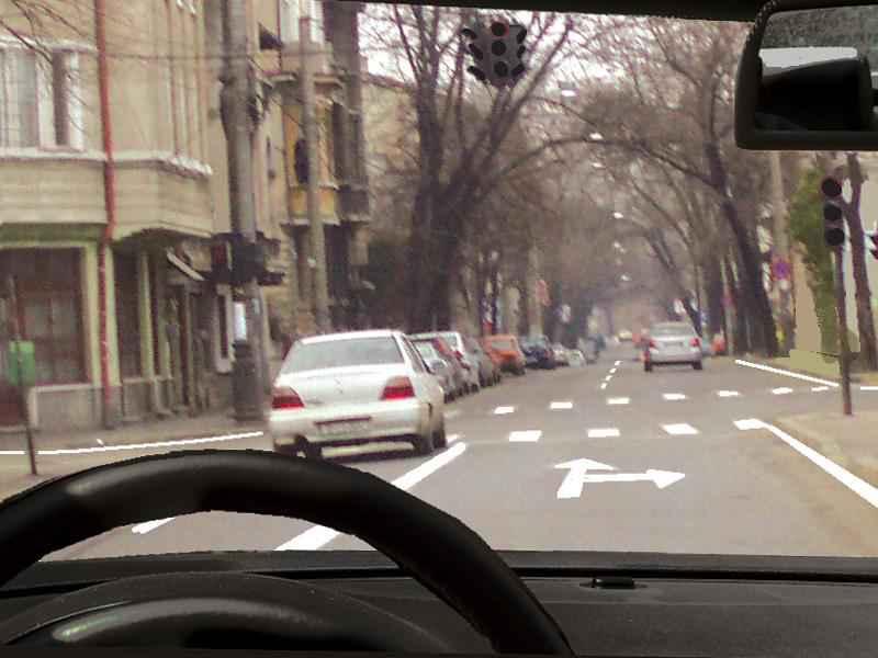 Cum procedaţi în această situaţie, dacă semafoarele nu funcţionează?