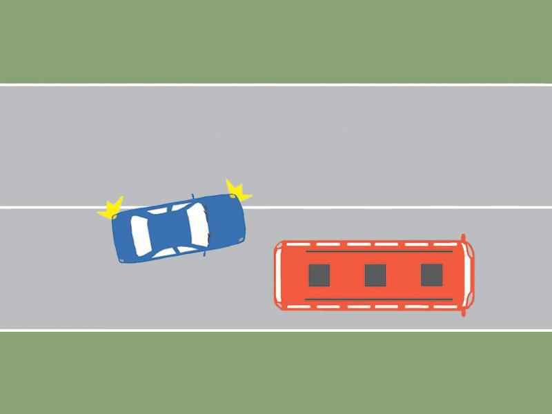 Autobuzul este staţionat. Care dintre cei doi conducători procedează neregulamentar?