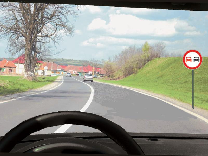 Ce vehicule aveți permisiunea de a depăși în situația dată?